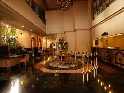 Hotel Pueblo Amigo Lobby