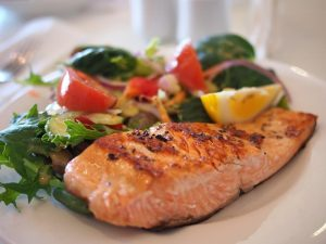 healthy salmon meal, foods for healthy skin