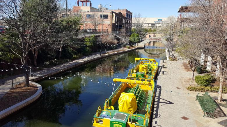 Canal boat ride. Oklahoma City Bariatric Surgery seminar with Mexico Bariatric Center.
