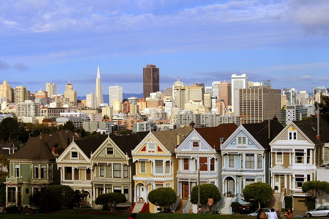 San Francisco neighborhood houses. Los Angels bariatric surgery seminar with Mexico Bariatric Center.