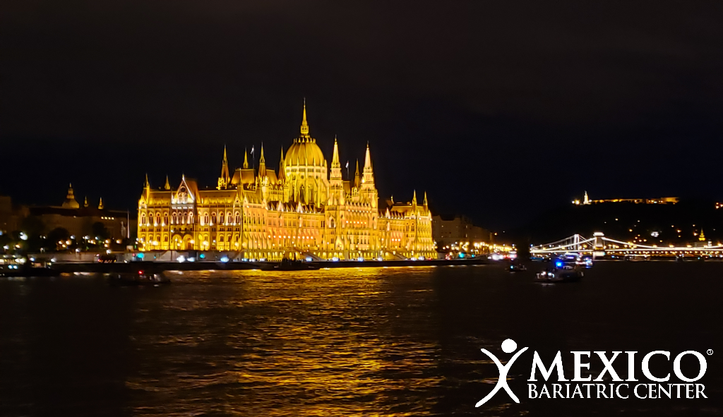Budapest Hungary - Hungarian Parliament Building at night - Mexico Bariatric Center