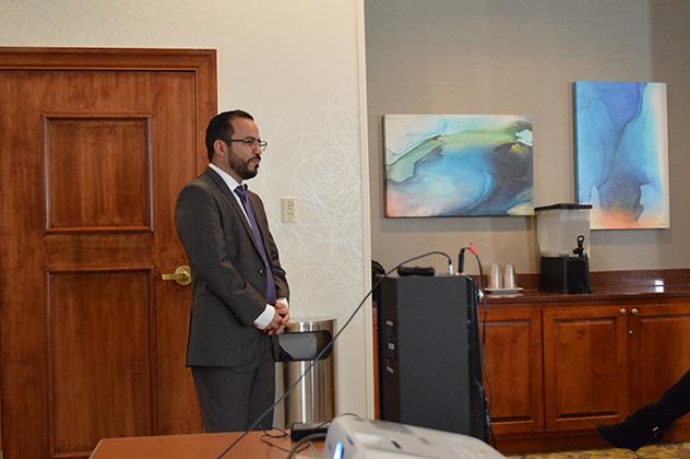 Board certified bariatric surgeon, Dr. Ismael Cabrera. discussing bariatric surgery in Tijuana at the 2018 Atlanta, GA seminar.