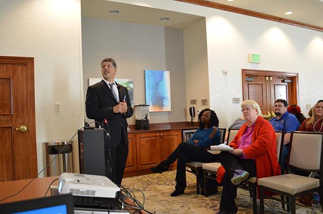 CEO of Mexico Bariatric Center, Ron Elli, Ph.D. discussing bariatric surgery in Tijuana at the 2018 Atlanta, GA seminar.
