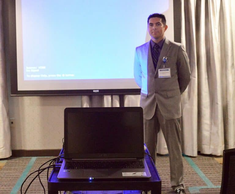 Dr. Gutierrez answering questions regarding bariatric surgery - Mexico Bariatric Center - Arlington, Texas Bariatric Surgery Seminar