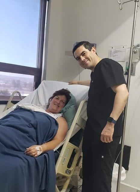 Guitierez and patients at Mexico Bariatric Center - Hospital Mi Doctor