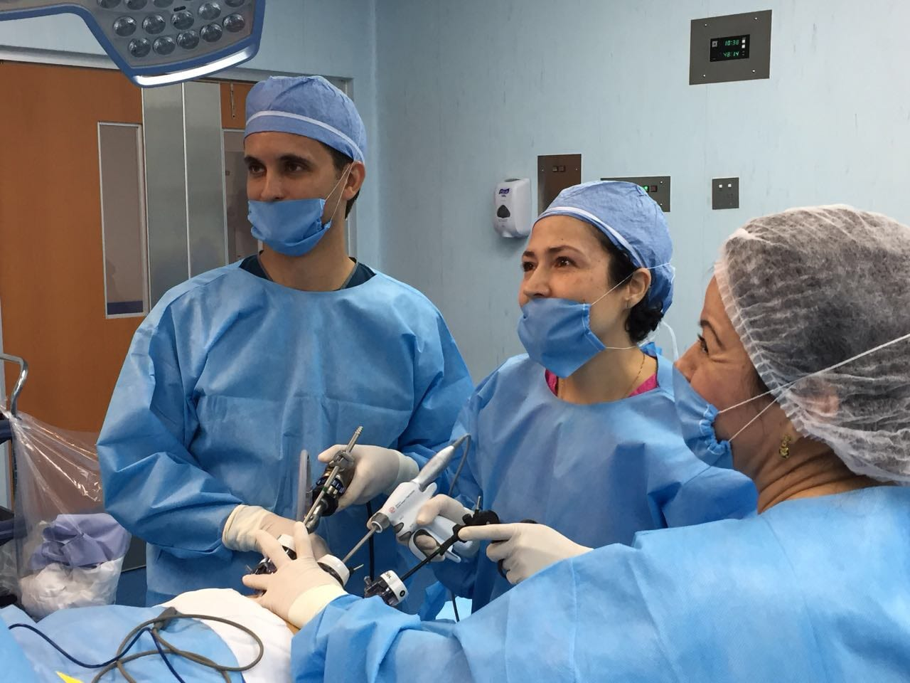 Dr. Jacqueline Osuna Performing Weight Loss Surgery - Bariatric Surgeon in Mexico